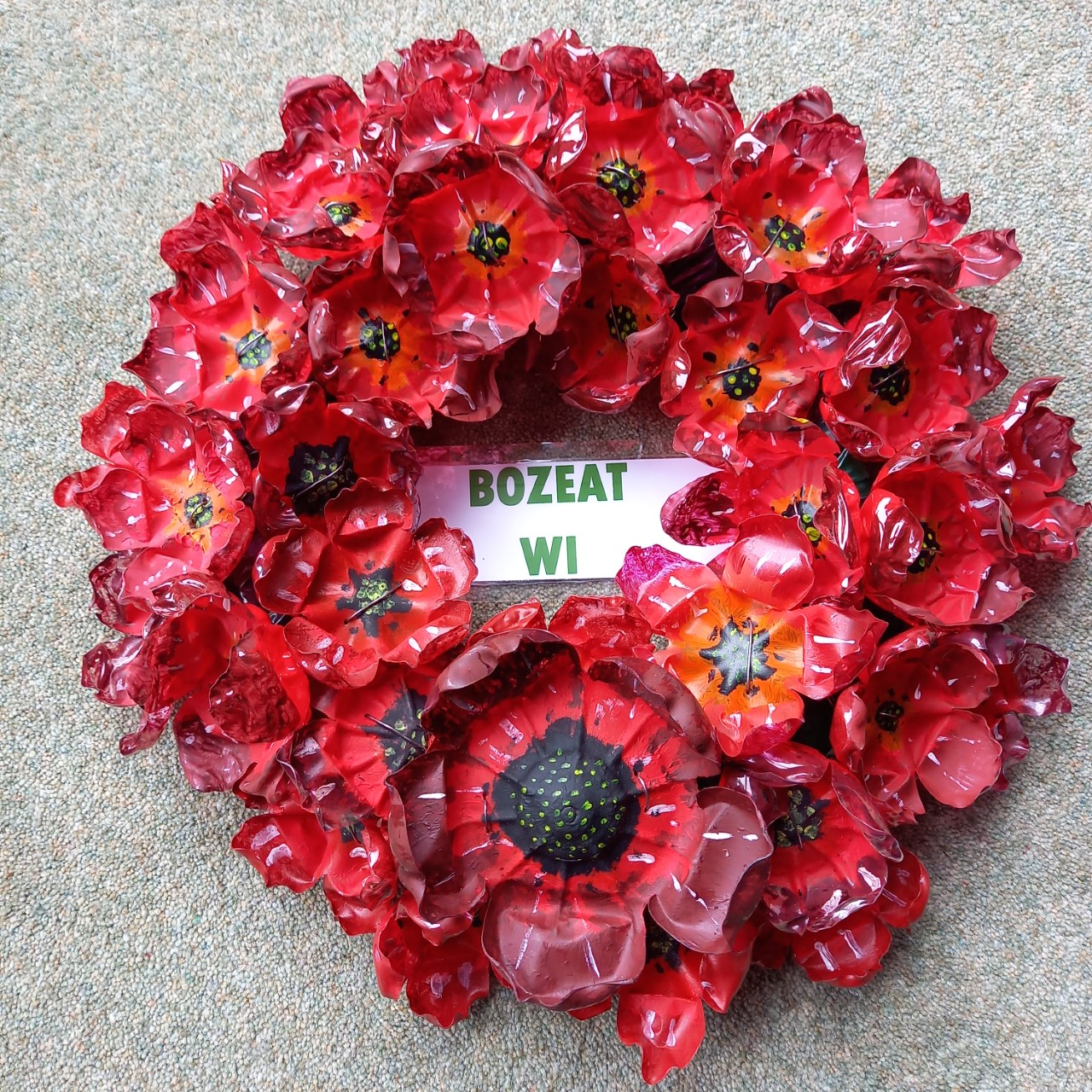 20.11 Wreath made from recycled plastic bottles