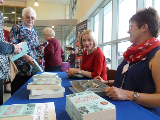 "Lucy Worsley signed her book ""If walls could talk"""
