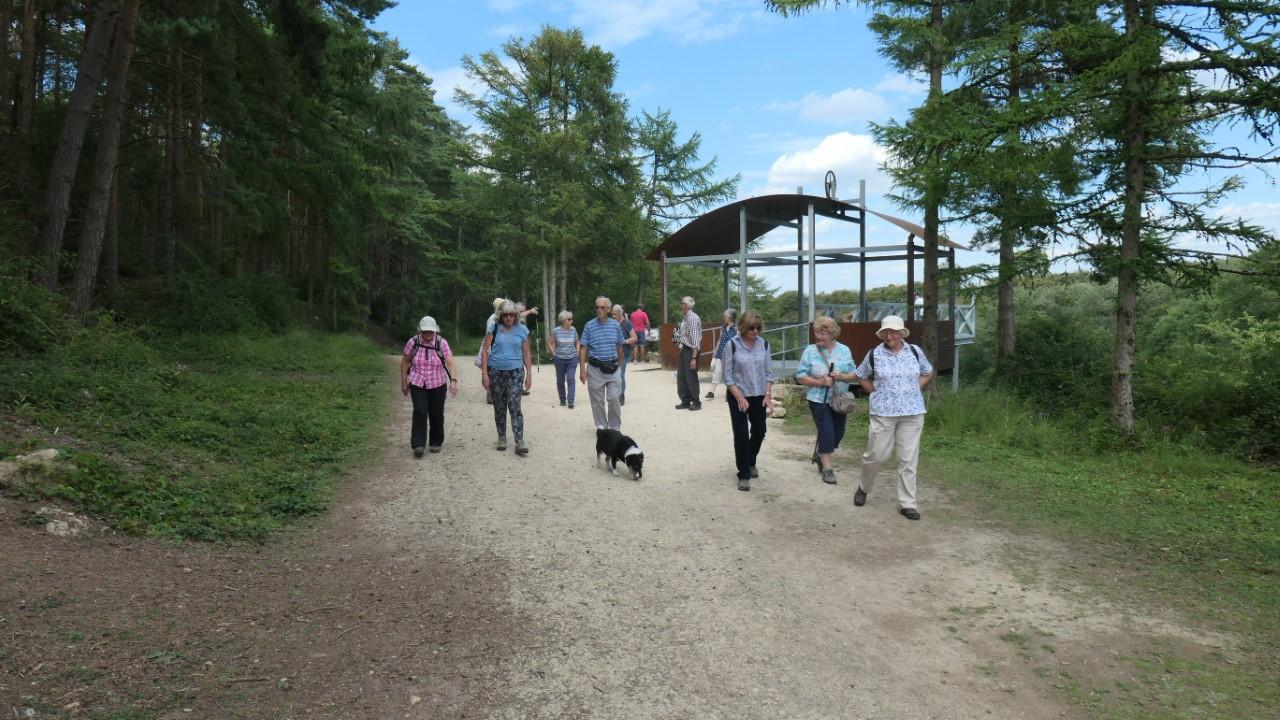 walking in Irthlingborough Country Park