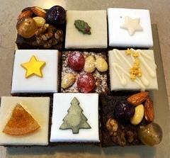 Individual Christmas cakes
